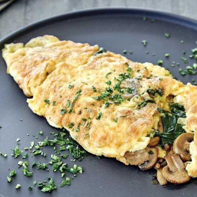 Omelette with Sauteed Mushrooms